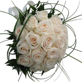 buy 18 White roses Bunch Midnight Delivery