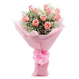 Send 12 baby Pink roses designer Bunch Midnight Delivery