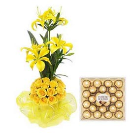 xpress Online Yellow mix flowers n 24 pcs Ferrero Rocher pack
