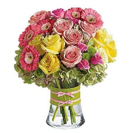 Send Yellow n Pink mix flowers glass Vase 24 hrs Delivery