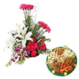 24 hrs mix flowers Basket n Assorted Dry Fruits thali