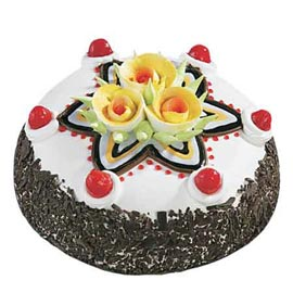 xpress Delivery of 2 Kg floral Black Forest Cake