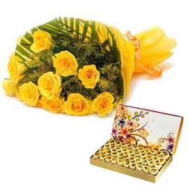 midnight Online Yellow roses Bunch n 1 Kg honey dew Sweets