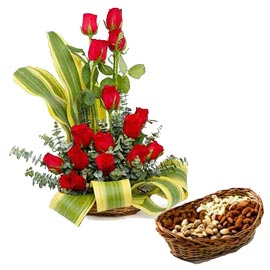 same day Online Red roses Basket n Half Kg Assorted Dry Fruit Basket