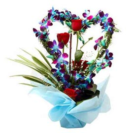 Send roses & orchids Heart shape glass Vase 24 hrs Delivery