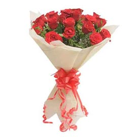 buy 15 Red roses White paper Bunch Midnight Delivery