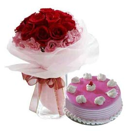 24 hrs Online Strawberry Cake n mix flowers in glass Vase