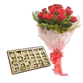 midnight Online kaju pista roll n Red roses Bunch