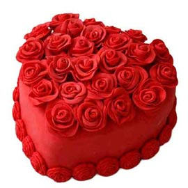 1 Kg lovely Valentine day Heart shape Midnight Cake Delivery