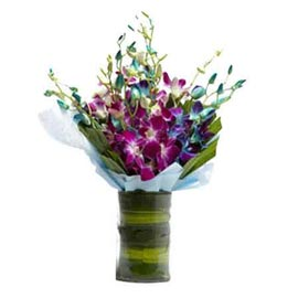 Send purple & White orchids glass Vase Urgent Delivery