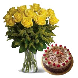 Send Online Butter Scotch n Yellow roses in glass Vase