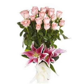 Send 2 Pink lilies n 20 Pink roses glass Vase Urgent Delivery