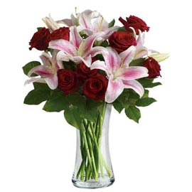 buy lilies n roses glass Vase Midnight Delivery