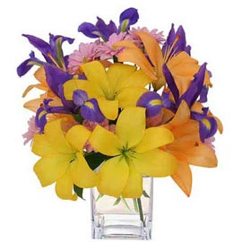 buy lilies n gerberas glass Vase Midnight Delivery