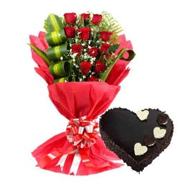 Send Online 1 Kg Chocolate Heart Cake n Red roses designer Bunch