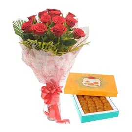midnight Online 1 Kg motichoor laddu n Red roses